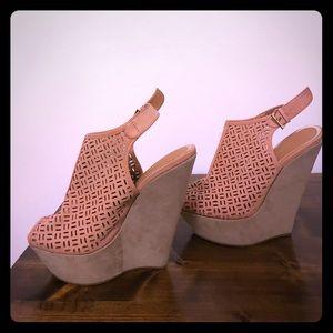 *NEW* Shoe Dazzle Blush Wedge Heels
